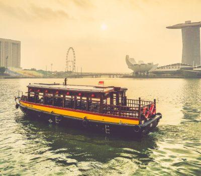Singapore, boat and ferry. Photo by Mike Enerio on Unsplash